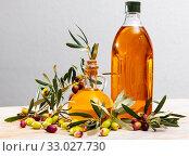 Купить «Olive oil in decanters and bottles», фото № 33027730, снято 28 мая 2020 г. (c) Яков Филимонов / Фотобанк Лори