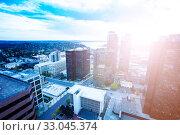 Купить «Busy day view of Bellevue, Washington downtown», фото № 33045374, снято 5 апреля 2015 г. (c) Сергей Новиков / Фотобанк Лори