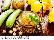 Купить «Zucchini jam with lemon», фото № 33068342, снято 8 июля 2019 г. (c) Надежда Мишкова / Фотобанк Лори