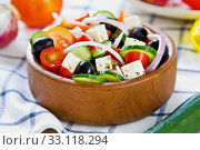 Greek salad. Стоковое фото, фотограф jongjai jongkasemsuk / PantherMedia / Фотобанк Лори