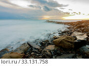 Купить «shroud of raging sea on a rocky shore», фото № 33131758, снято 12 февраля 2020 г. (c) Иванов Алексей / Фотобанк Лори