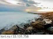 shroud of raging sea on a rocky shore. Стоковое фото, фотограф Иванов Алексей / Фотобанк Лори