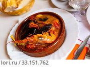 Купить «Peruvian seafood soup Parihuela», фото № 33151762, снято 28 февраля 2020 г. (c) Яков Филимонов / Фотобанк Лори