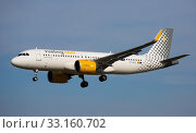 Купить «Vueling Airlines Airbus landing at Barcelona Airport», фото № 33160702, снято 26 января 2020 г. (c) Яков Филимонов / Фотобанк Лори