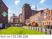 Roland-Mühle, in the west of Bremen city - industrial quarter. Стоковое фото, фотограф Alexander Drechsel / PantherMedia / Фотобанк Лори