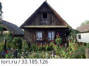 Купить «Country house», фото № 33185126, снято 6 июля 2020 г. (c) PantherMedia / Фотобанк Лори