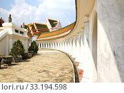 Wat Phra Pathom Jedi Temple, Nakhon Pathom, Thailand. Стоковое фото, фотограф Nunnicha Supagrit / PantherMedia / Фотобанк Лори