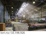An empty production warehouse and industrial workshop. Стоковое фото, фотограф Алексей Кузнецов / Фотобанк Лори