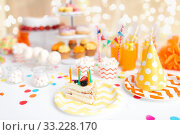 Купить «piece of cake on plate at birthday party», фото № 33228170, снято 6 июля 2018 г. (c) Syda Productions / Фотобанк Лори