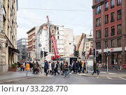 Demolition of a retirement home in Rosenthaler Strasse in Berlin-Mitte (2018 год). Редакционное фото, агентство Caro Photoagency / Фотобанк Лори