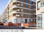 New construction of residential buildings in Revaler Strasse in Berlin-Friedrichshain (2018 год). Редакционное фото, агентство Caro Photoagency / Фотобанк Лори