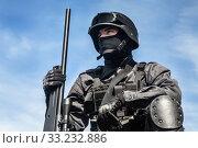 Купить «SWAT police sniper», фото № 33232886, снято 6 июня 2020 г. (c) PantherMedia / Фотобанк Лори