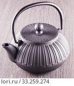 Купить «Cast iron teapot», фото № 33259274, снято 3 июня 2020 г. (c) PantherMedia / Фотобанк Лори