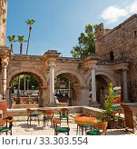 Купить «Hadrian's Gate in old town Kaleici in Antalya, Turkey», фото № 33303554, снято 26 сентября 2019 г. (c) Наталья Двухимённая / Фотобанк Лори