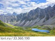 Siberian alpine tundra against backdrop of mountain range. Стоковое фото, фотограф Виктор Никитин / Фотобанк Лори
