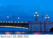 Купить «Троицкий мост с ночной подсветкой. Санкт-Петербург», фото № 33369102, снято 6 марта 2020 г. (c) Румянцева Наталия / Фотобанк Лори