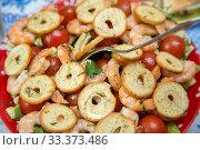 Texture of salad with cherry tomatoes , crackers, prawns and herbs. Стоковое фото, фотограф Федонников Никита Александрович / Фотобанк Лори