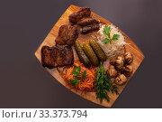 Купить «Shashlyk with vegetables view», фото № 33373794, снято 28 января 2020 г. (c) Гурьянов Андрей / Фотобанк Лори