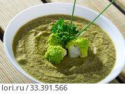 Купить «Creamy broccoli soup», фото № 33391566, снято 31 марта 2020 г. (c) Яков Филимонов / Фотобанк Лори