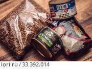 Купить «Паника в марте 2020 в России из-за коронавируса - запас гречки, риса, консервов», фото № 33392014, снято 18 марта 2020 г. (c) katalinks / Фотобанк Лори