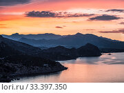 Sunrise, view from the mountain Koba-Kaya of the surrounding mountains and the Black sea, Crimea, Russia (2015 год). Стоковое фото, фотограф Наталья Волкова / Фотобанк Лори