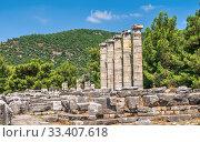Купить «The Temple of Athena Polias in the Ancient Priene, Turkey», фото № 33407618, снято 20 июля 2019 г. (c) Sergii Zarev / Фотобанк Лори