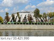 Купить «Reconstruction of Druzhba Multipurpose Arena. Moscow», фото № 33421990, снято 1 сентября 2019 г. (c) Валерия Попова / Фотобанк Лори