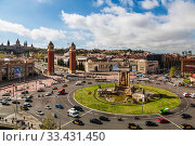 Купить «View of the Spanish square in Barcelona in sunny day, top view. Catalonia, Spain», фото № 33431450, снято 9 апреля 2018 г. (c) Наталья Волкова / Фотобанк Лори