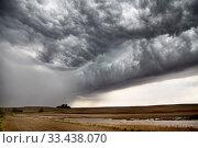 Купить «Prairie Storm Clouds Canada Saskatchewan Abandoned Buildings», фото № 33438070, снято 27 мая 2020 г. (c) age Fotostock / Фотобанк Лори