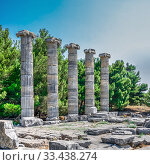 Купить «The Temple of Athena Polias in the Ancient Priene, Turkey», фото № 33438274, снято 20 июля 2019 г. (c) Sergii Zarev / Фотобанк Лори