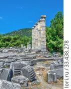 Купить «The Temple of Athena Polias in the Ancient Priene, Turkey», фото № 33438278, снято 20 июля 2019 г. (c) Sergii Zarev / Фотобанк Лори