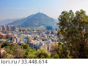 Купить «Сантьяго. Чили. Вид на гору Сан-Кристобаль с холма Сент-Люсия.», фото № 33448614, снято 13 февраля 2020 г. (c) Галина Савина / Фотобанк Лори