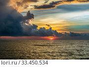 Купить «Закатное небо над Индийским океаном. Sanmali Beach, Шри-Ланка», фото № 33450534, снято 22 апреля 2019 г. (c) Владимир Сергеев / Фотобанк Лори