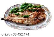 Купить «Grilled sea bass with peppers», фото № 33452174, снято 6 апреля 2020 г. (c) Яков Филимонов / Фотобанк Лори
