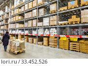 Купить «Russia Samara November 2019: Interior of a warehouse for storage of goods in a supermarket.», фото № 33452526, снято 2 февраля 2020 г. (c) Акиньшин Владимир / Фотобанк Лори