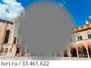 Купить «An image of a macular degeneration in the city», фото № 33461622, снято 2 апреля 2020 г. (c) easy Fotostock / Фотобанк Лори