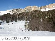 Купить «Beautiful mountains covered with snow. Sunny day and blue sky on a frosty day», фото № 33475078, снято 5 марта 2019 г. (c) Олег Хархан / Фотобанк Лори