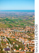 Купить «Borgo Maggiore in San Marino and valley of Emilia-Romagna», фото № 33479090, снято 28 февраля 2020 г. (c) Роман Сигаев / Фотобанк Лори