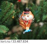 Елочная игрушка. Кот в шляпе. Стоковое фото, фотограф Denis Kh. / Фотобанк Лори