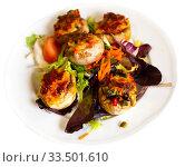Baked mushrooms stuffed with vegetables, ham and mozzarella. Стоковое фото, фотограф Яков Филимонов / Фотобанк Лори
