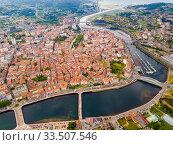 Panoramic view from drone on the city center Pontevedra with embankment of the river Rio Lerez. Galicia. Spain (2019 год). Стоковое фото, фотограф Яков Филимонов / Фотобанк Лори
