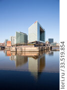 New building for the publishing house of the news magazine DER SPIEGEL on the edge of the Speicherstadt in Hamburg (2019 год). Редакционное фото, агентство Caro Photoagency / Фотобанк Лори