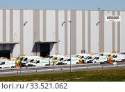 Amazon Logistics Center, Duisburg, North Rhine-Westphalia, Germany. Редакционное фото, агентство Caro Photoagency / Фотобанк Лори