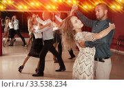 People learning to dance waltz. Стоковое фото, фотограф Яков Филимонов / Фотобанк Лори