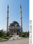 Купить «Мечеть Къадыр-Джами (Величественная мечеть) в селе Левадки Симферопольского района, Крым», фото № 33638178, снято 29 июля 2019 г. (c) Николай Мухорин / Фотобанк Лори