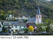 Middle Rheine scenic cruise- Church and town buildings, near Bad Salzig, Rhineland-Palatinate, Germany. Стоковое фото, фотограф Don Johnston / age Fotostock / Фотобанк Лори