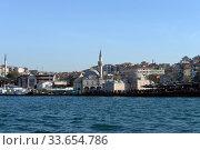 Купить «Мечеть Шемси Ахмеда-паши на берегу пролива Босфор в азиатской части Стамбула. Турция», фото № 33654786, снято 3 ноября 2019 г. (c) Free Wind / Фотобанк Лори