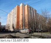 Купить «Четырнадцати-семнадцатиэтажный шестиподъездный панельный жилой дом серии П-44Т, построен в 2003 году. 15-я Парковая улица, 47, корпус 1. Район Северное Измайлово. Город Москва», эксклюзивное фото № 33697810, снято 20 февраля 2020 г. (c) lana1501 / Фотобанк Лори