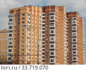 Двадцатидвухэтажный пятиподъездный монолитный жилой дом, построен в 2010 году по индивидуальному проекту. Щёлковское шоссе, 61. Район Гольяново. Город Москва. Стоковое фото, фотограф lana1501 / Фотобанк Лори