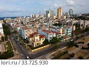 Купить «Cuba. Havana. Top view on old houses.», фото № 33725930, снято 26 января 2013 г. (c) Вознесенская Ольга / Фотобанк Лори